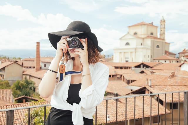 fotografka s kloboukem.jpg