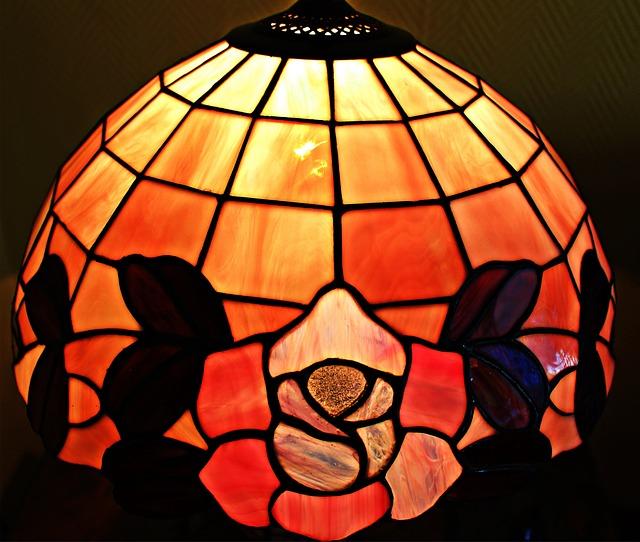 lampa s vitráží